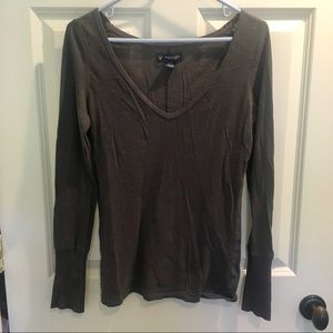American Eagle dark gray V neck shirt